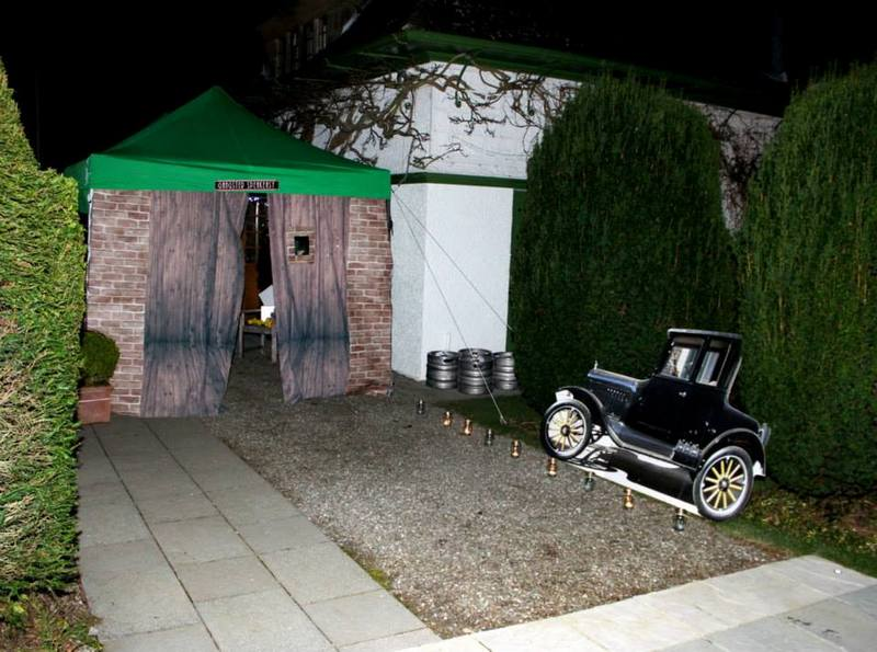 1920s party entrance