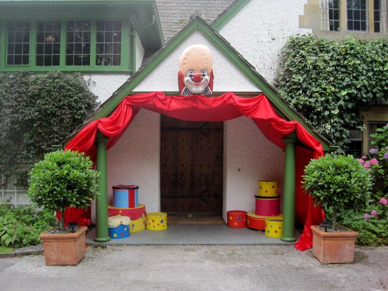 Circus - front door