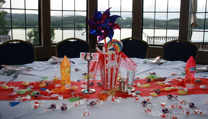 Circus - table setting